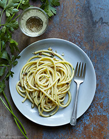 Anchovy and Lemon Pasta Recipe / Our favorite week night dinner / houseofbrinson.com
